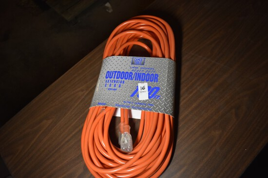 New Outdoor/indoor 100 foot extension cords with ligthed ends