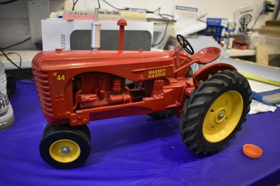 Massey Harris 44 Tractor by scale models