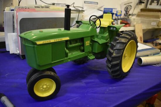 John Deere 4010 Tractor by Scale Models