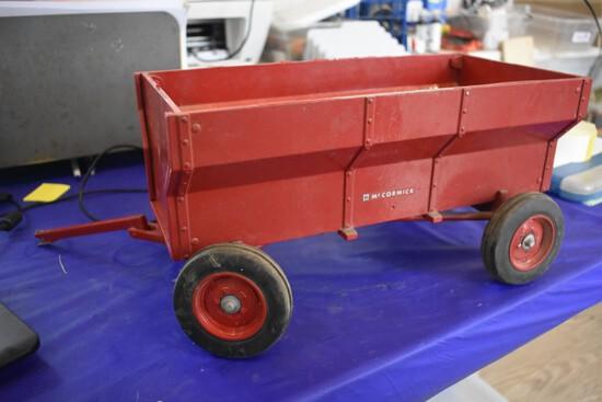 McCormick Grain Bin Wagon by Scale Models