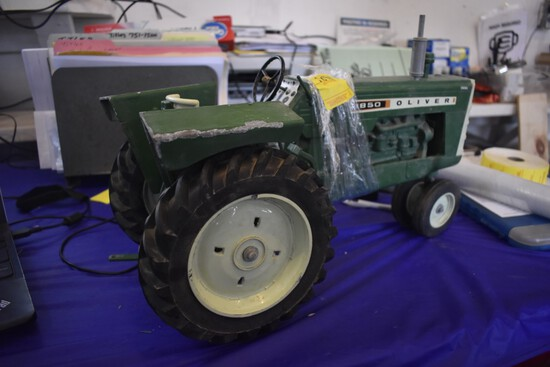 Oliver 1850 Diesel Tractor 1997 Farm Progress Show Edition by Scale Models