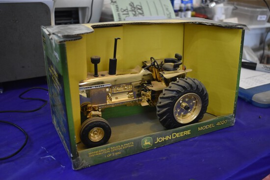 John Deere 4020 Minneapolis Sales and Parts Distribution Center Gold Edition by ERTL Toys