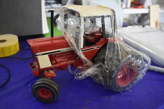International Harvestor 1086 Toy Tractor Times 2004 21st Anniversary Edition