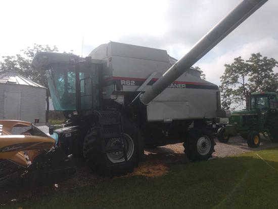 Gleaner R62 combine 3238 engine hrs. 2429 separator hrs