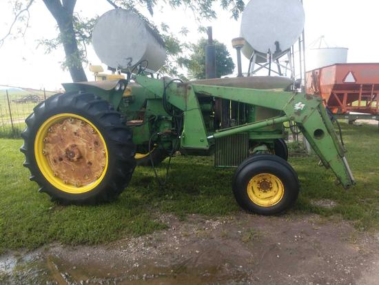 John Deere 3010 Tractor w/jd 748 loader 6450 hrs