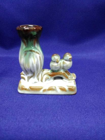 Birds with vase