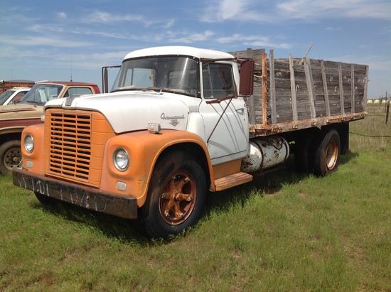 1960 International Loadstar 1600 Grain Truck