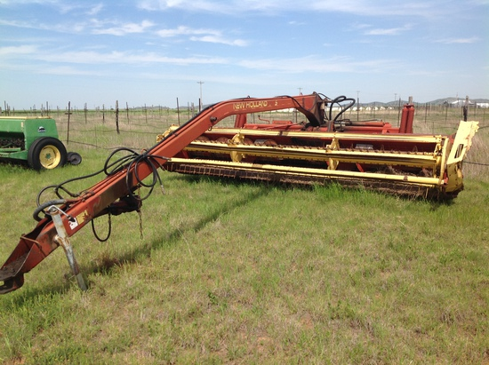 New Holland 116 Center Pivot Windrower