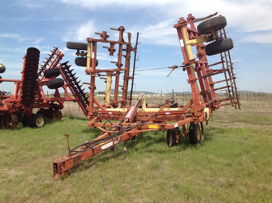 Krause 4300 Series Chisel Plow