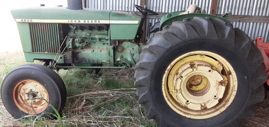 John Deere 2630 Tractor