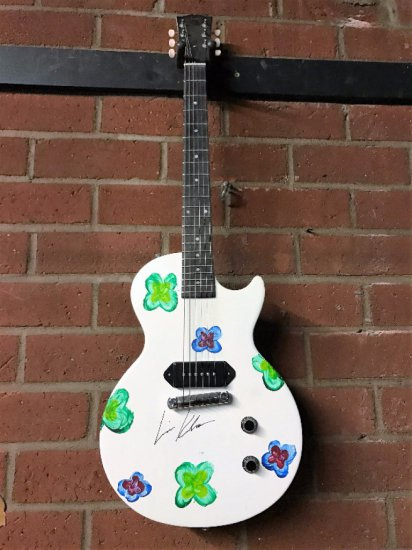 """Epilepsy Foundation charity item - """"Friends"""" star Lisa Kudrow hand painted & signed Gibson Guitar."""