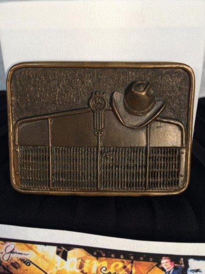James garner estate - Al Shelton sculpted belt buckle given to James Garner by Henry Fonda