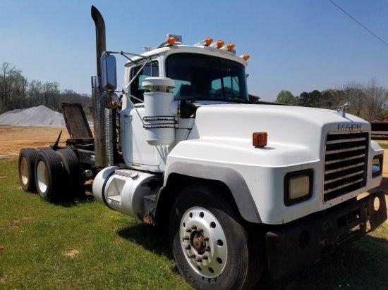 2001 Mack Truck