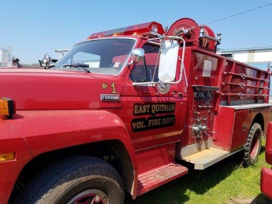 1984 Ford F 800 Fire Truck