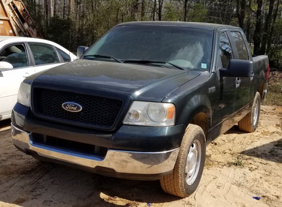 2005 Ford F-150 4-door 1/2 Ton pick up truck