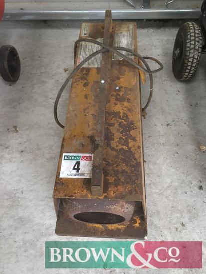 Master B35E space heater. Serial No. 2214862