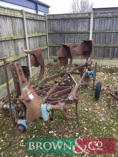 Ransomes 3F Reversible Trip Plough