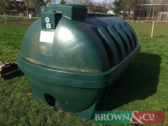 Unbunded water tank, 1000ltrs approx.