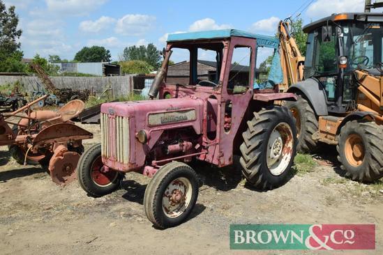 1962 International McCormick B414 diesel 2wd tractor on 12.4/11-28 rear wheels and tyres. Reg No: