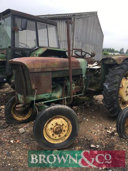 John Deere 310GD 2wd diesel tractor on 12.4R36 rear wheels and tyres. Hrs: 989 showing. Serial No: