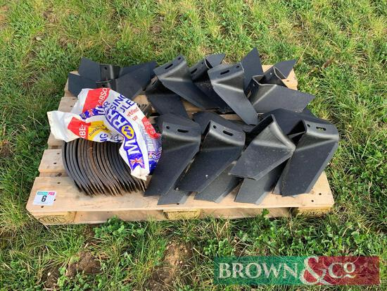Qty Flexicoil Cultivator Points and Wings