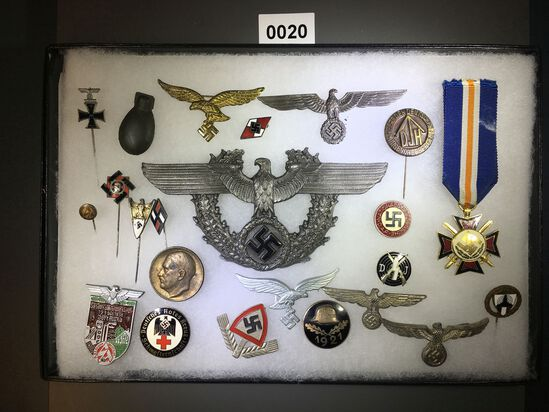 Der Stahlhelm badge and metal pin collection