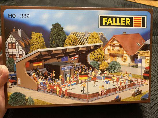 FALLER 382