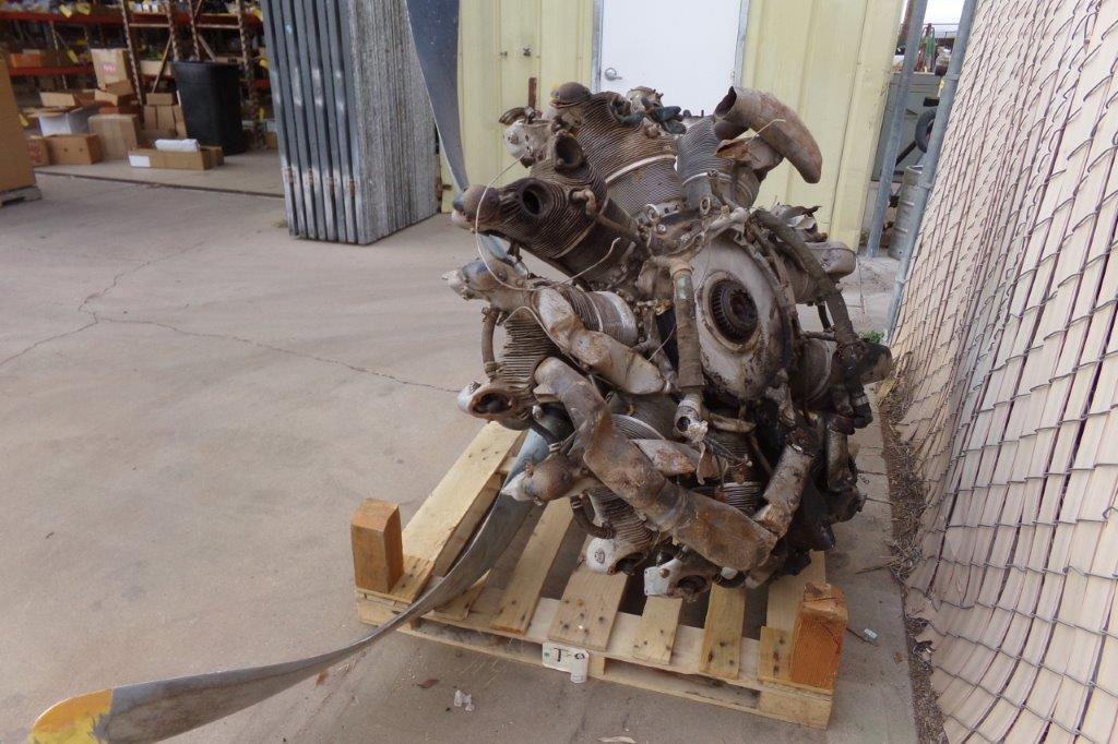 Lot: Crash Damaged R-1340-AN Engine | Proxibid Auctions