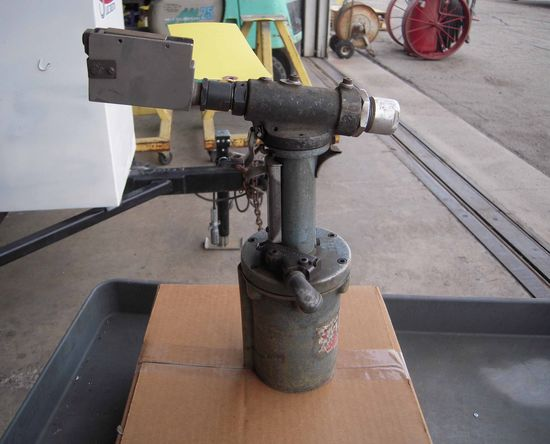 CHERRY G40C PNEUMATIC RIVET PULLER