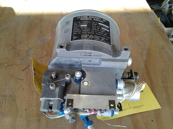 CESSNA 1580002-3 LANDING GEAR POWER PACK