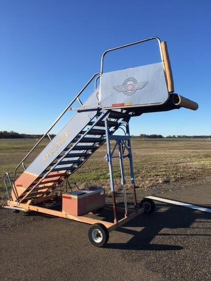 1991 Nordco MDL 3016-1F Passenger Stairs
