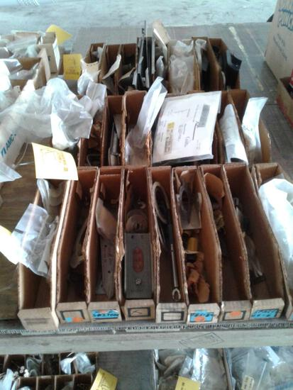(LOT) OF 25 BOXES OF NEW & USED CESSNA, PIPER & BEECH AIRFRAME INV.