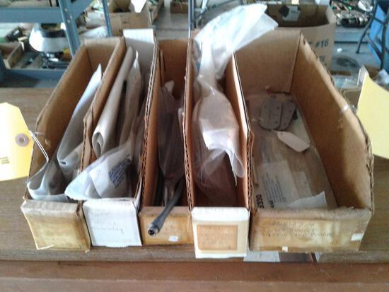 BOXES OF STATIC WICKS DG15330, DAP-14775-4, DGSW10-96 & 15401 MOUNTS