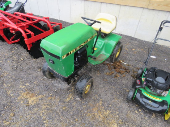 #76 John Deere 116 Lawn Tractor
