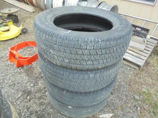 (4) 275/60R20 Tires