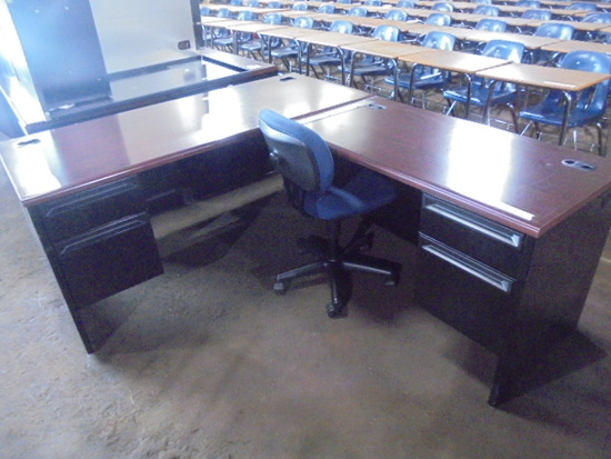 L Shaped Admin Office Deck