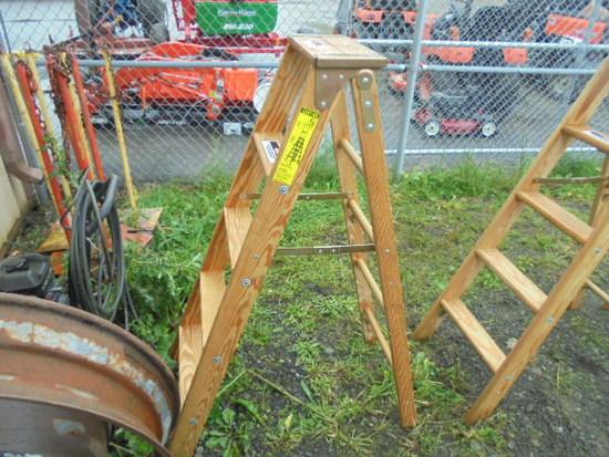 Werner 5' Wood Ladder, New