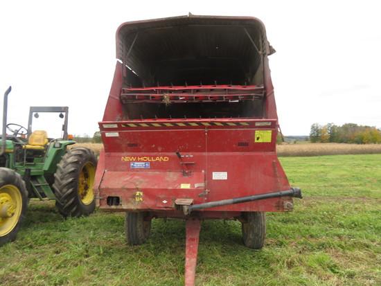 NH Forage Wagon