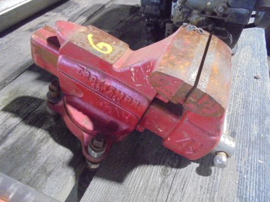 """Craftsman 4 1/2"""" Bench Vise"""