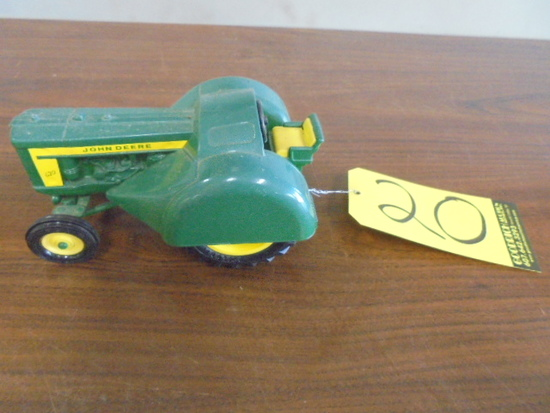 John Deere 620 Orchard 1/16 Scale Toy