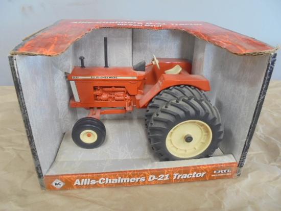 Allis Chalmers D21 w/ Duals, ERTL 1/16
