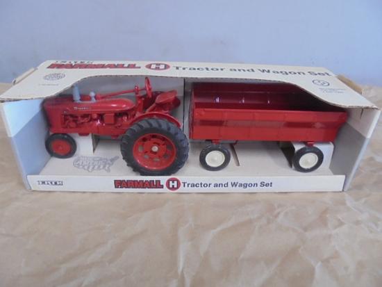 Farmall H And Wagon Set, ERTL 1/16
