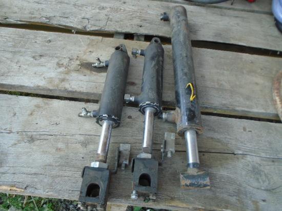 3 Hyd Cylinders