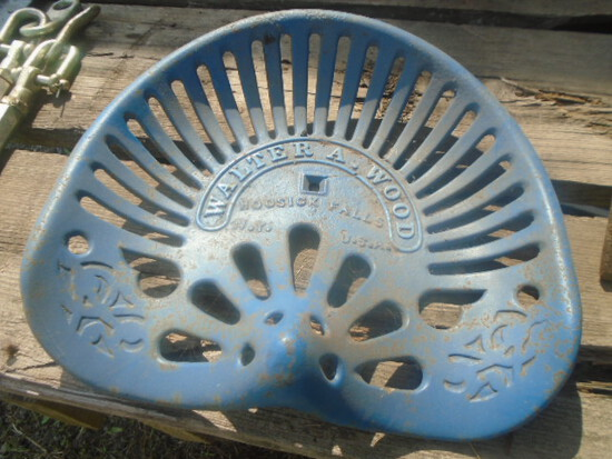 Walter Wood Hoosick Falls NY Cast Iron Seat, Does Have A Crack