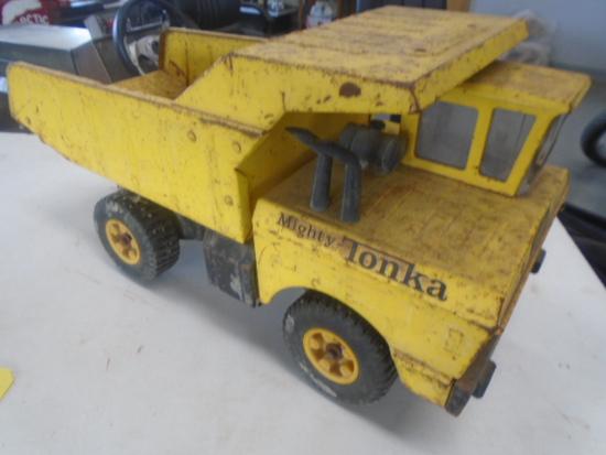 Mighty Tonka Dump Truck