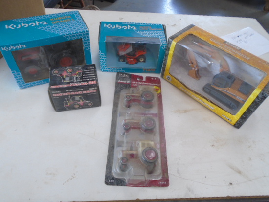 (5) Kubota, Case, IH NIB Toys