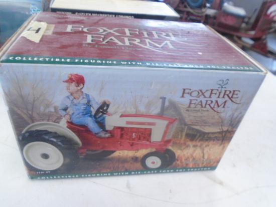 Ford 901 1/16 Fox Fire Farm Toy
