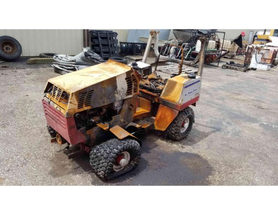 All wheel drive articulating tractor