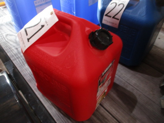 RED 5 GALLON PLASTIC GAS CONTAINER