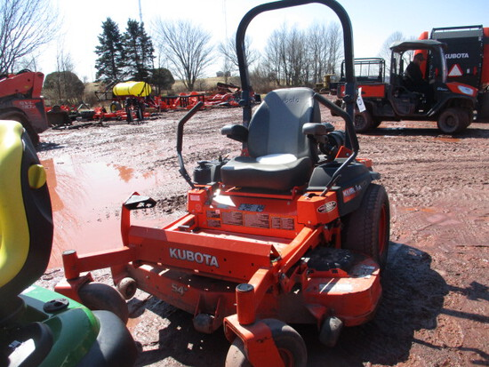 KUBOTA Z724XKW ZERO TURN MOWER,